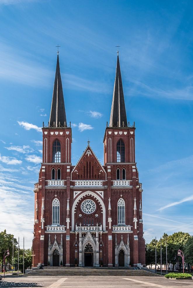 co warto zobaczyć w częstochowie - Bazylika Archikatedralna Świętej Rodziny