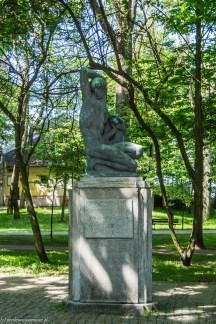 pomnik w parku ustka