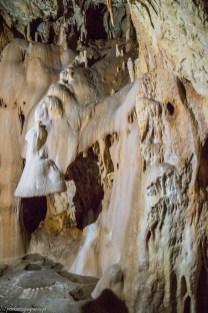 zamek w hunedoarze - jaskinia niedźwiedzia nacieki