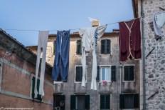 pranie uliczki kotoru czarnogóra