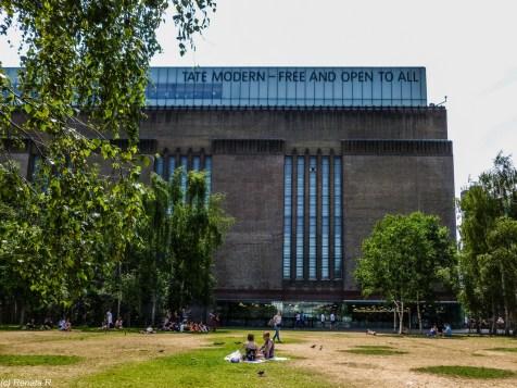 Tate Modern londyn - spacer wzdłuż tamizy