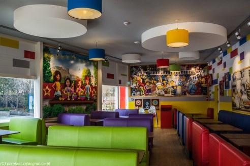 kolorowe wnętrze stars burger kitchen billund