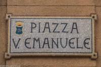 monreale - mozaikowa tablica z nazwą ulicy