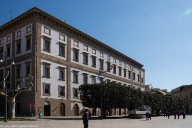 budynek urzędowy