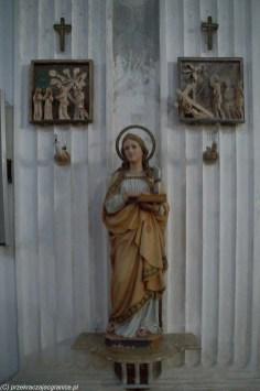 figura kobiety z aureolą