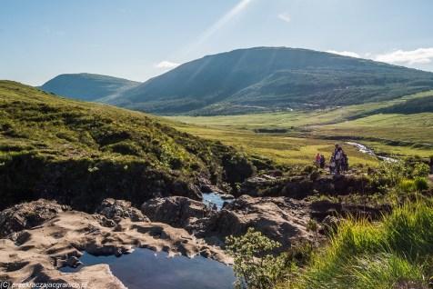 krajobraz górski z ciekiem wodnym