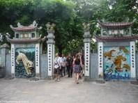 brama świątyni ngoc son w hanoi