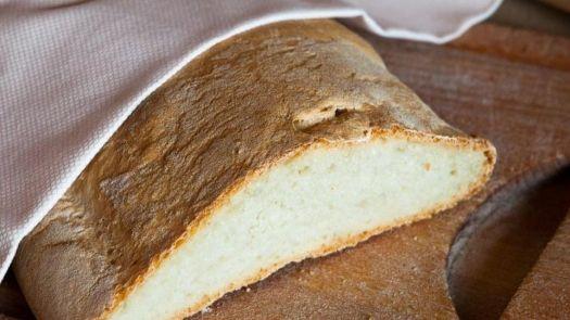 Chleb toskanski
