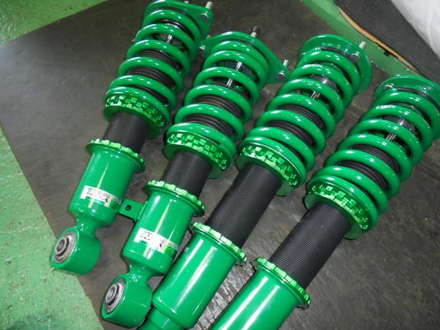RB1 オデッセイ アブソルート TEIN車高調に交換 アッパーアーム、タワーバー 四輪アライメント調整