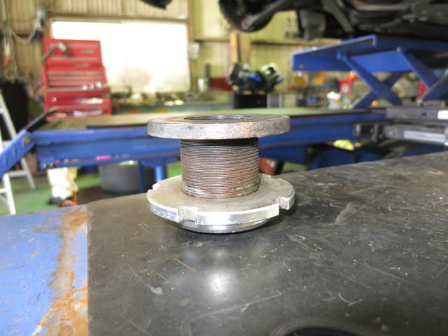 BMW Z4 リア車高の調整 前後ブレーキパット ローター交換 四輪アライメント調整