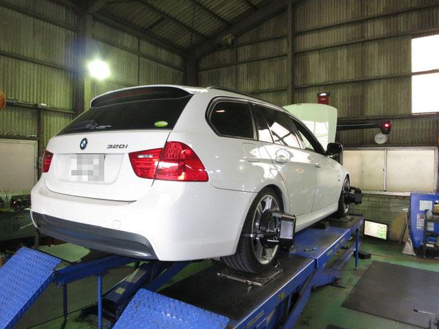 E91 BMW 四輪アライメント調整