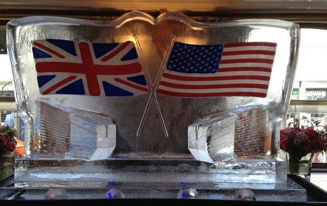 USA and British flags luge