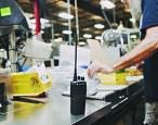 Enterprise_NA_Manufacturing_MOTOTRBO_manufacturing_commercial_tier_portable_Juan-Martinez