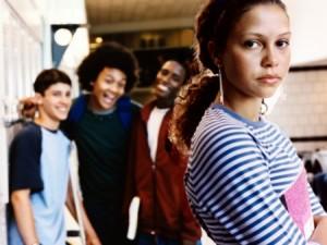 O bulling está associado a vários problemas de crianças e adolescentes. Não descuide das reclamações.