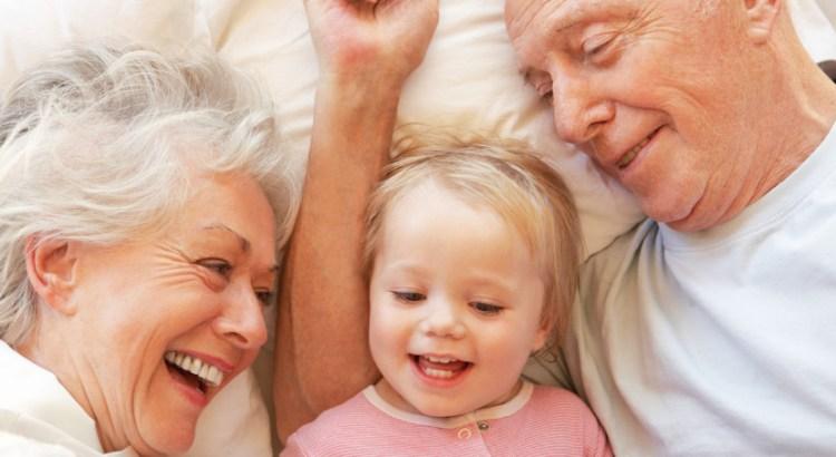 Avós, vó, vovô, vô, vovó, netos