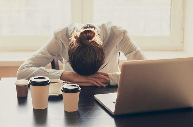 Resultado de imagem para mulher cansada