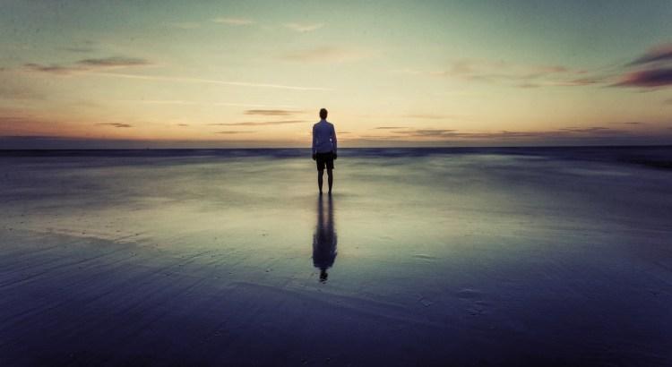 auto-cobrança, respeito, olhar no horizonte