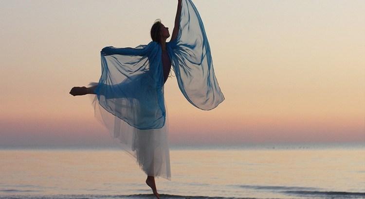 corpo fala, ouvir, respeitar, mulher dançando, bailando, bailarina, coreografia, sentir