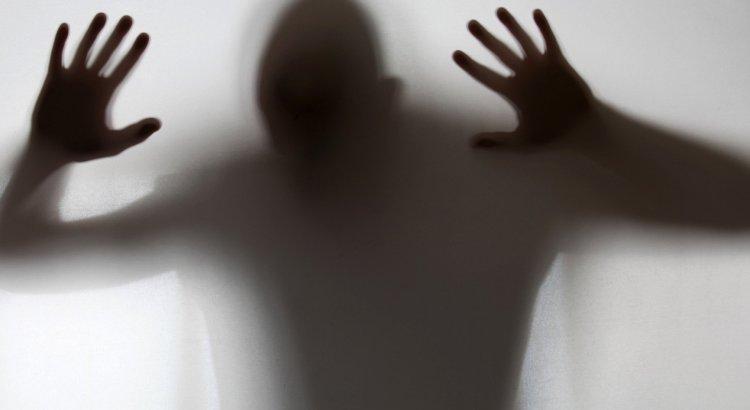 julgamento doenças mentais, psicose, prisão, punição, medo, família