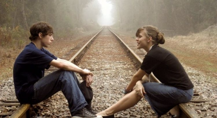 escutar, escutar o outro, desabafar, conversar, pessoas conversando, casal conversando
