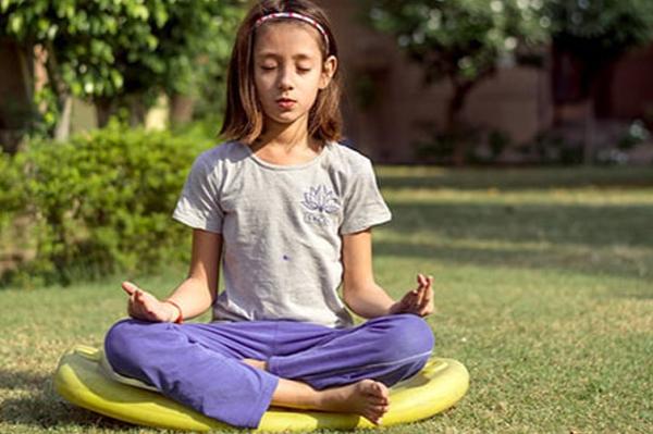 Meditação e ioga em criancas