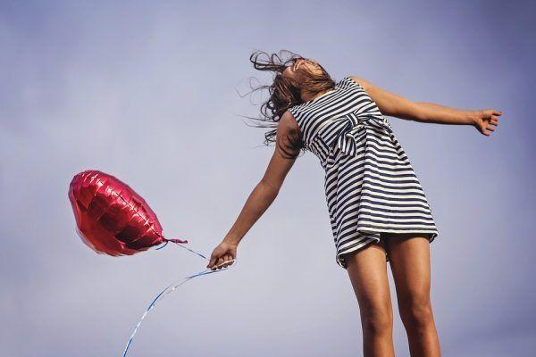 Cinco Beneficios de Estar Enamorado