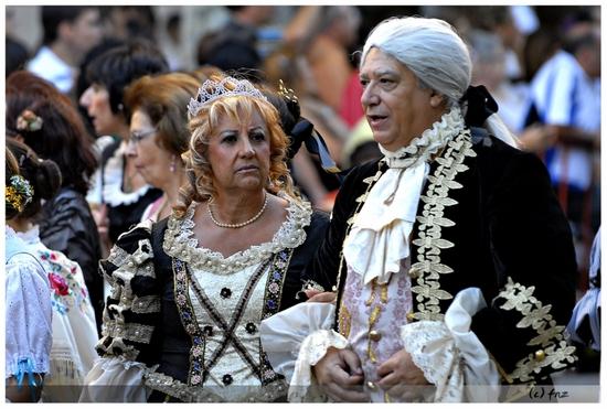 trajes-antiguos-de-la-nobleza--en-la-cabalgata-de-albacete