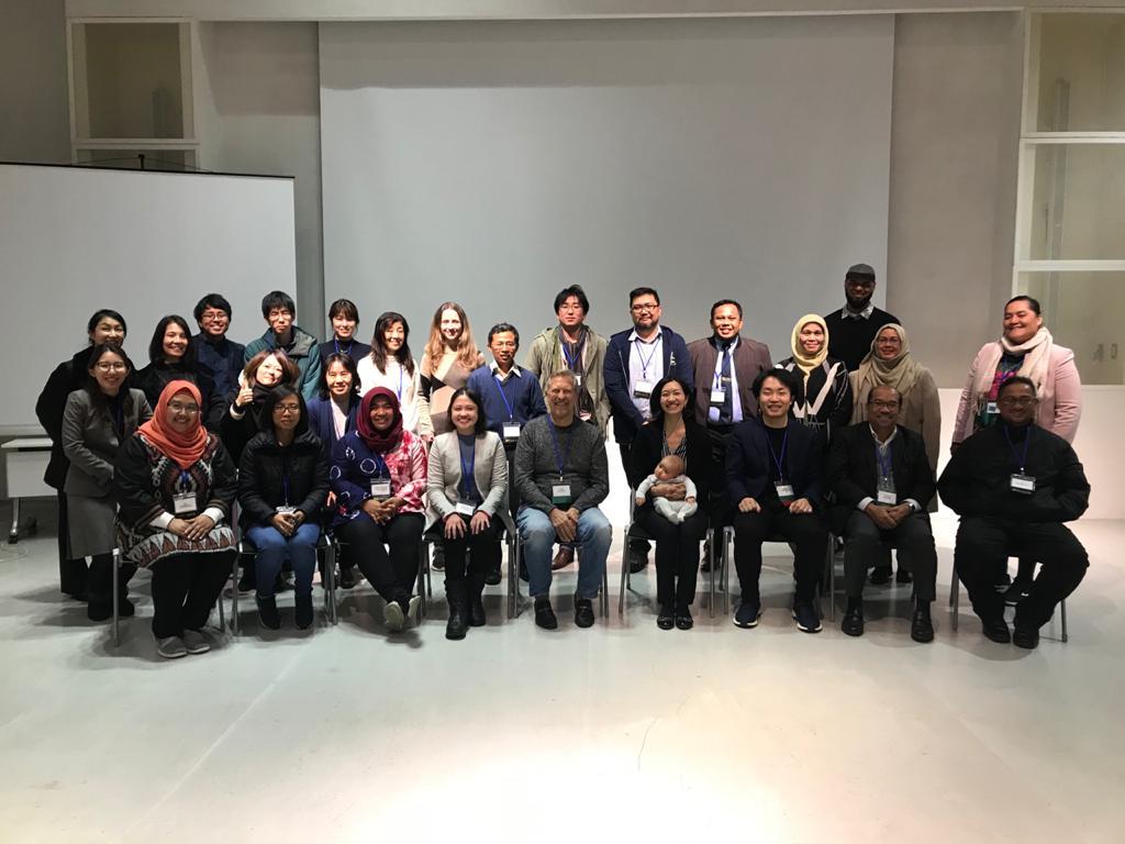 Alies Poetri Lintangsari berfoto bersama peserta IDIS 2020