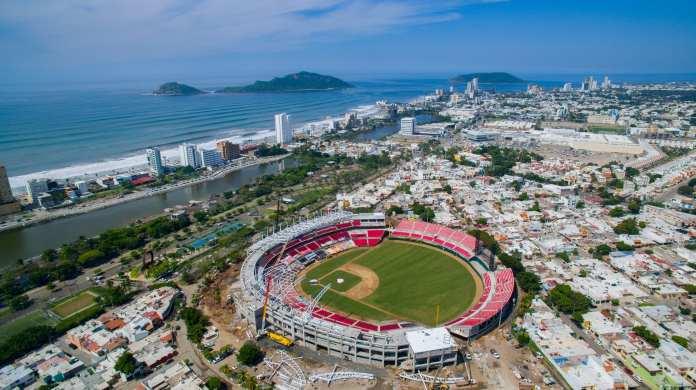 Gobierno de Mazatlán toma estadio de Venados