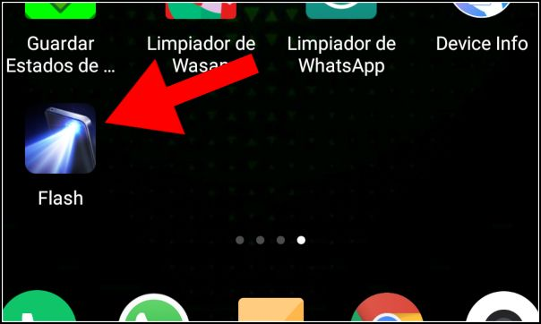Aplicación de linterna en el menú de Android