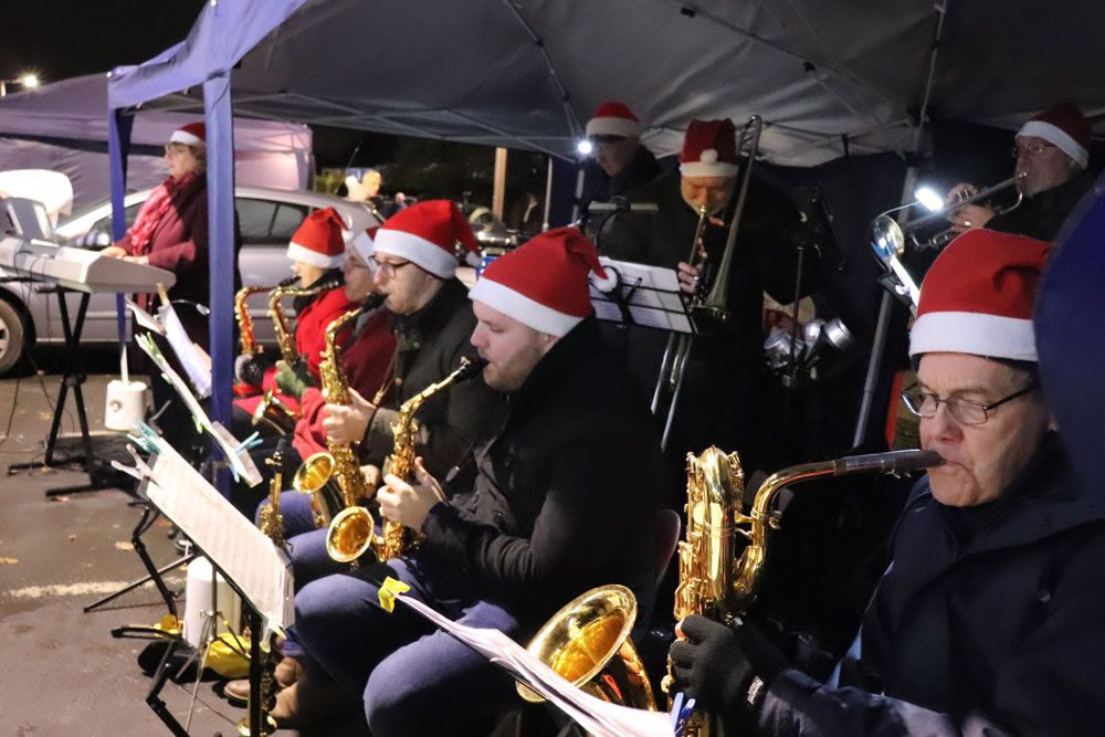 Xmas lights band 2019 December