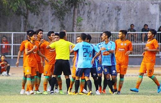 Nganjuk Ladang FC vs Persibo. (Foto: Radar Bojonegoro)
