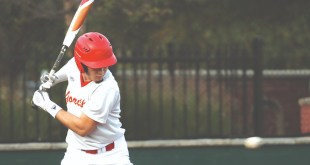 Club Baseball opens season, splits games against Arkansas