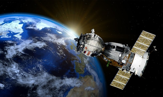 What are the applications of additive manufacturing in space?
