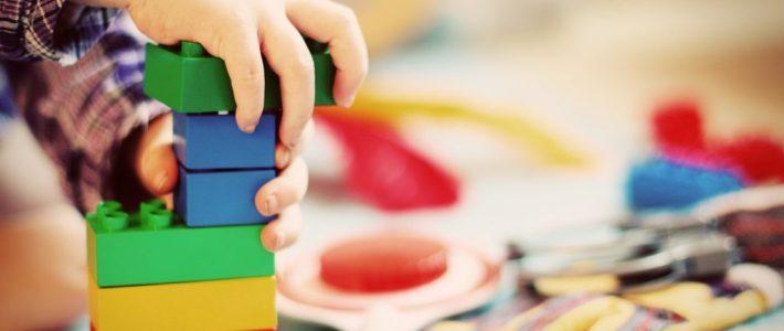 Développement cognitif de l'enfant : les stades chez J.Piaget