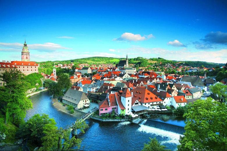 Historic-Center-of-Cesky-Krumlov-Cesky-Krumlov-Czech-Republic fairy tale