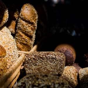 Fresh bread, flour, warm, nutty scents