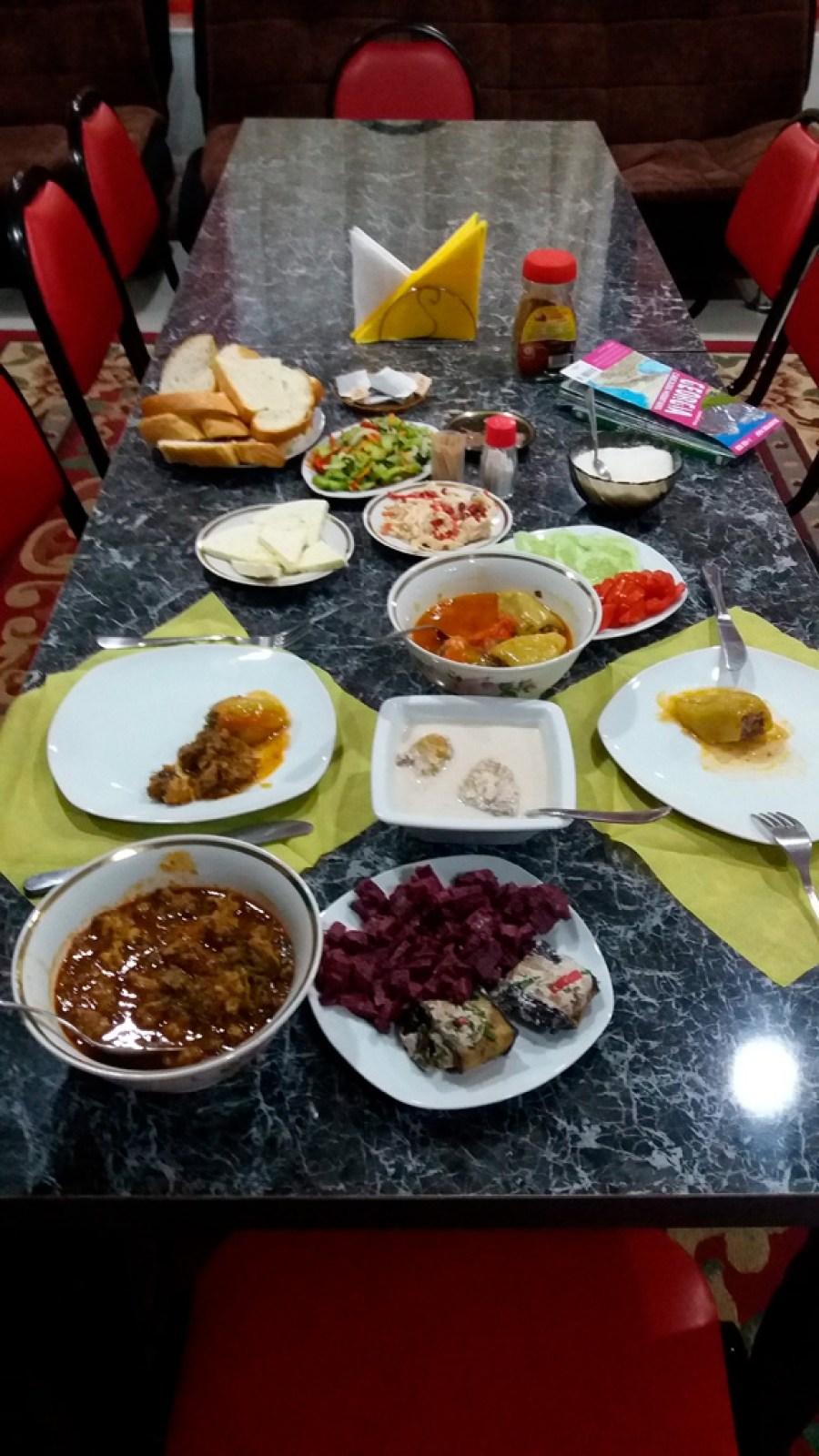 Kolacja w Kutaisi, w Nona Guesthouse