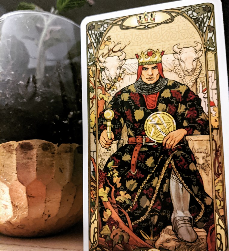 Daily Tarot Card Reading King of Pentacles. © Psychic Readings By Brandi www.psychicreadingsbybrandi.com