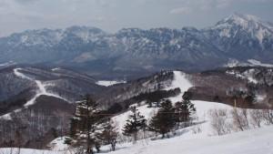 戸隠スキー場は、初心者でもこのパノラマの場所までいけます。 もうちょっと登ると、反対側に野沢湖も見えます。
