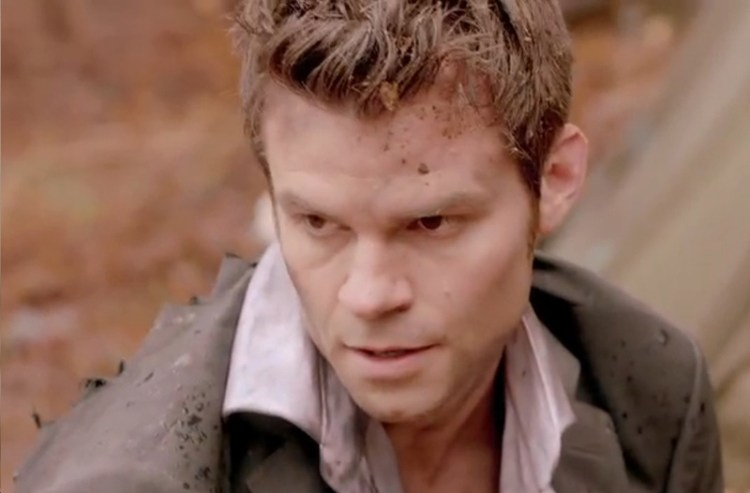 originals 1-19-elijah-and-his-suit