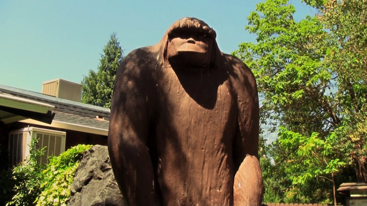 Willow-Creek-Bigfoot-Carving
