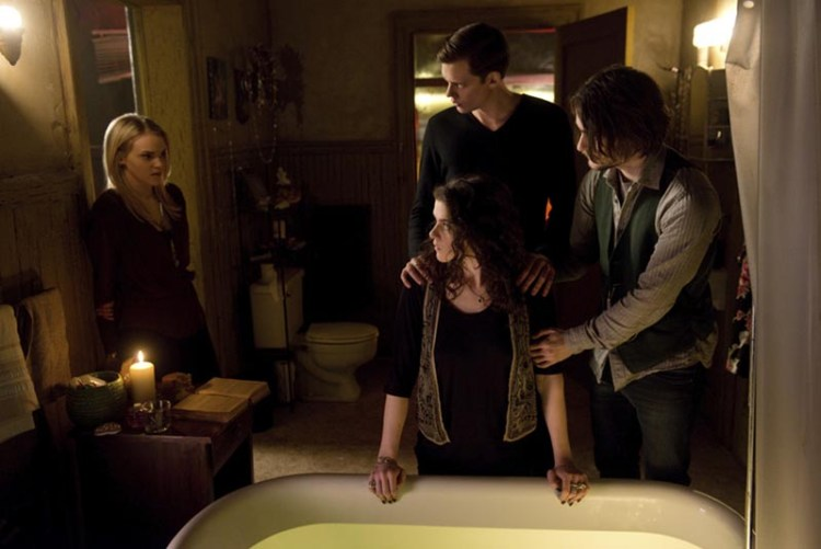 hemlock-grove-tub