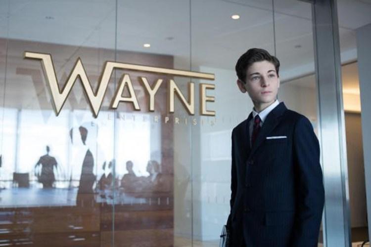 1x16 Wayne