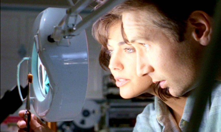x-files-312-war-of-coprophages