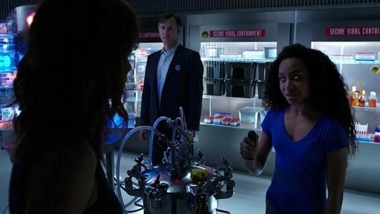 Extant-Season-2-Episode-10-10-590c