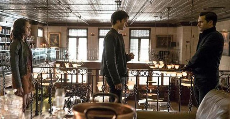 tvd-714-bonnie-and-damon-meet-enzo-at-the-armory