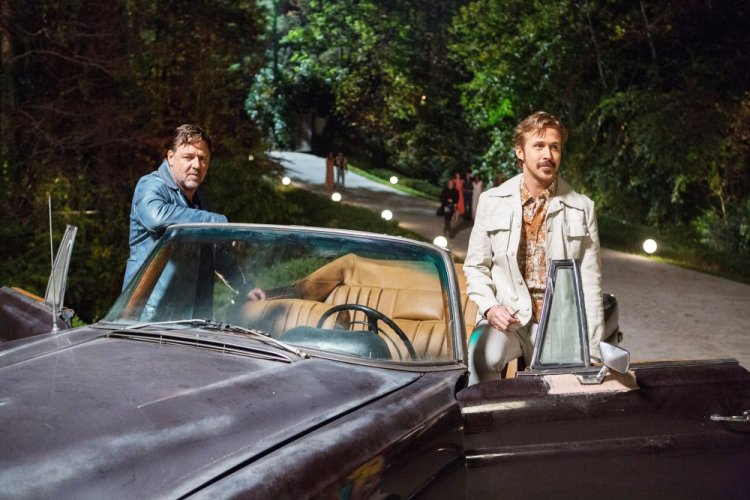 THE NICE GUYS, from left: Russell Crowe, Ryan Gosling, 2016. ph: Daniel McFadden / © Warner Bros. /