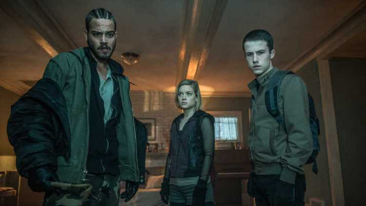 "This image released by Sony Pictures shows, from left, Daniel Zovatto, Jane Levy and Dylan Minnette in a scene from ""Dont Breathe."" (Gordon Timpen/Sony/Screen Gems via AP)"