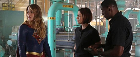 supergirl-102-header